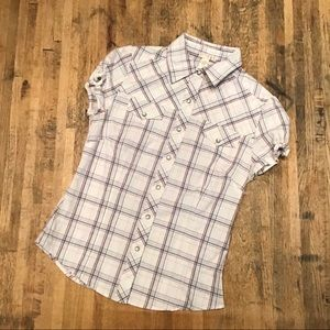 📦 White snap up short sleeve patriotic plaid top
